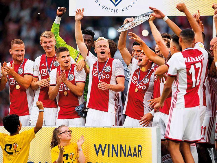 Ajax Amsterdam vắng 11 thành viên trong chuyến làm khách 4/11