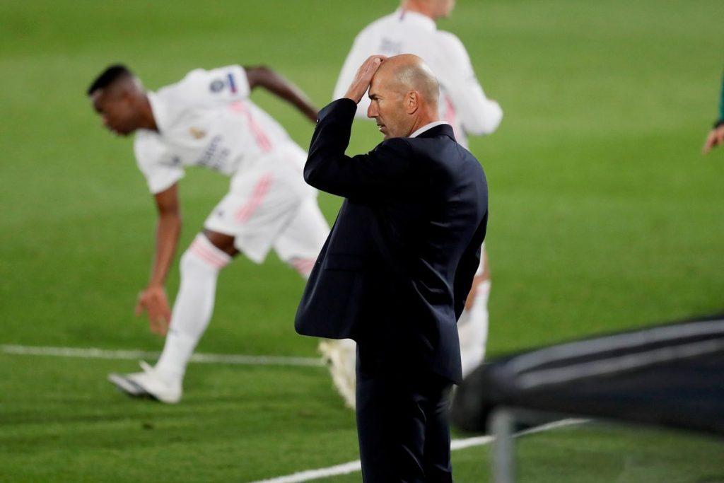 Real Madrid trải qua một đêm ác mộng với trận thua 2-3